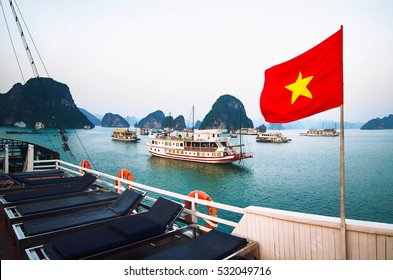 halong bay cruise ship guide